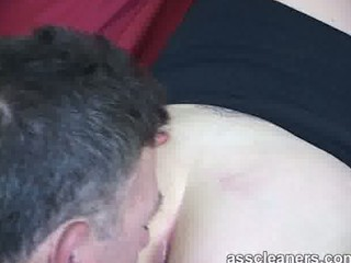 pleasuring housewife by nicely tasting her bottom