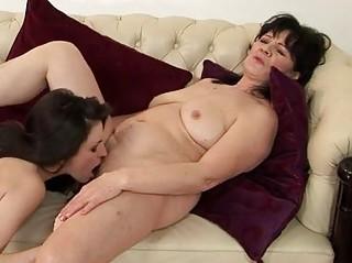 plump brunette woman and amateur babe having lady