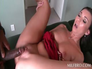 awesome mature babe oral and vagina gangbangs
