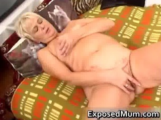 dirty lady feeling hot masturbating part2