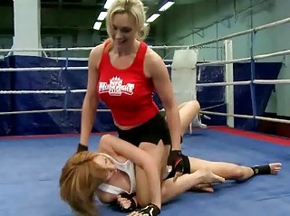 two awesome babes fighting