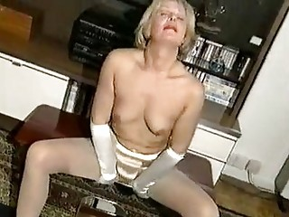 cougar classy babe 1