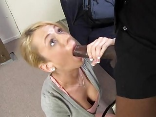 kaylee hilton obtains pierced into front of her