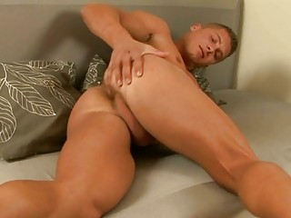 young muscle stud joe getting nude and jerking off