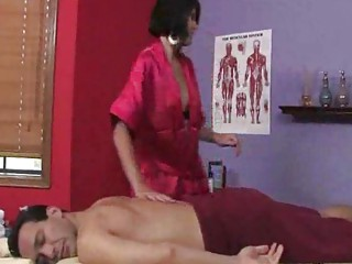 chase evans  the masseuse into yellow