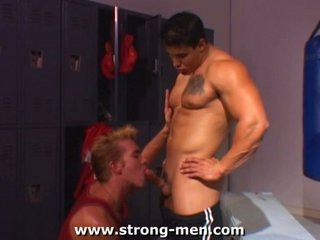 porn with a bodybuilder