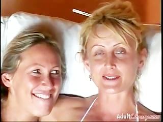 Lesbian Gyno