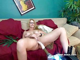 lady robbye bentley live fuck device cam