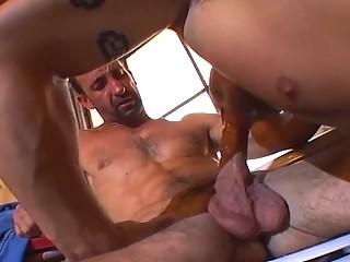 muscle bound stud adores libido slamming