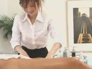 japanese masseuse goes the exra mile